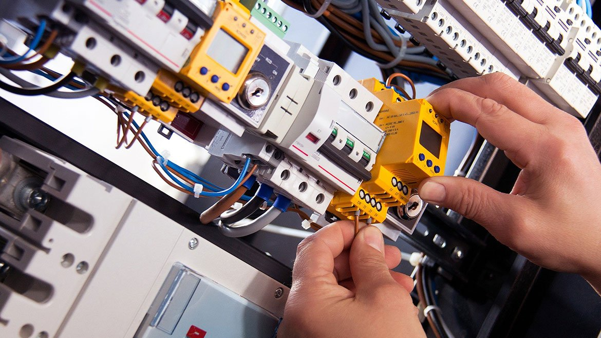 electrical contractors in Evanston, IL
